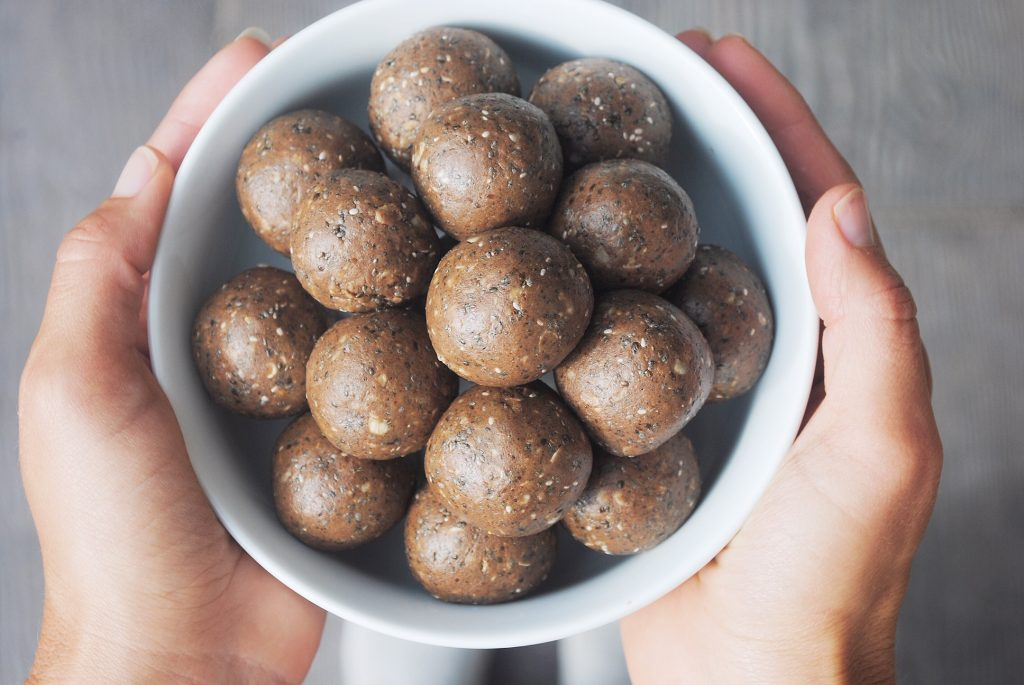 Easy Chocolate Protein Balls